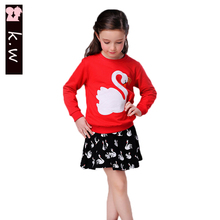 Brand KW Swan Print 2016 New Arrival Children Cotton Tracksuit Girls Autumn Long Sleeve Clothing Sets Kids Clothes Suit