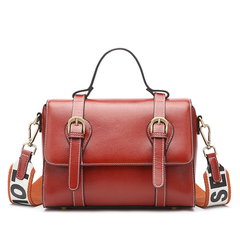New European and American ladies leather messenger bag Cross-section leather hand laptop shoulder slung simple handbag new tide lingge europe and the united states fashion leather handbag ladies cross section cowhide shoulder slung small square ba