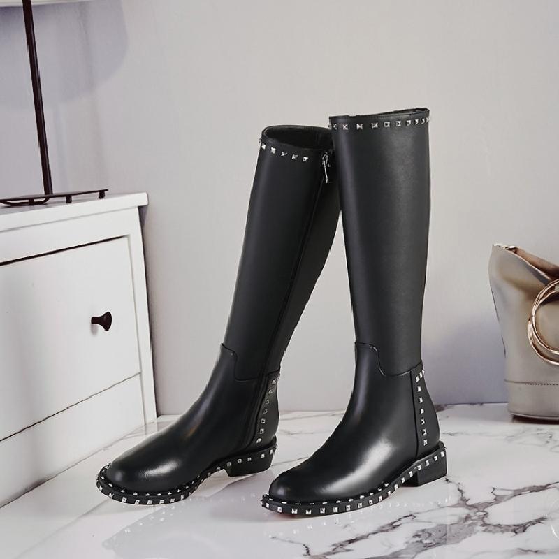 Véritable Dames En Cuir Genou Plat de Longues Bottes D'équitation Chaussures Femmes Western Boucle Rivets Moto Boot Chaussures zapatos de mujer