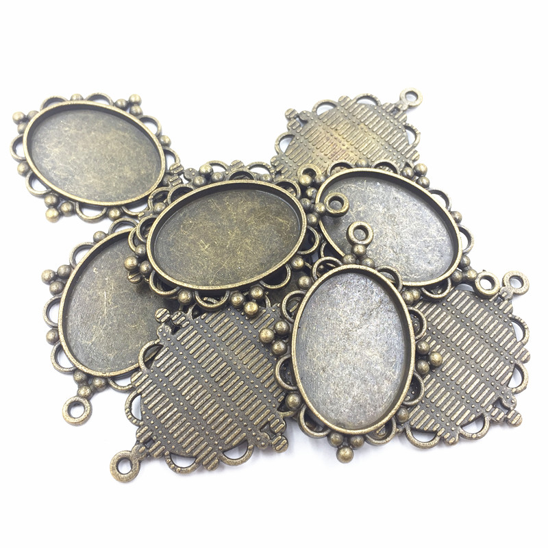 20Pcs Antique Bronze Tone Pendants For Necklaces Oval Flower Lace Metal DIY Craft Charms Jewelry Accessories 39x30mm Fit 25x18mm in Pendants from Jewelry Accessories