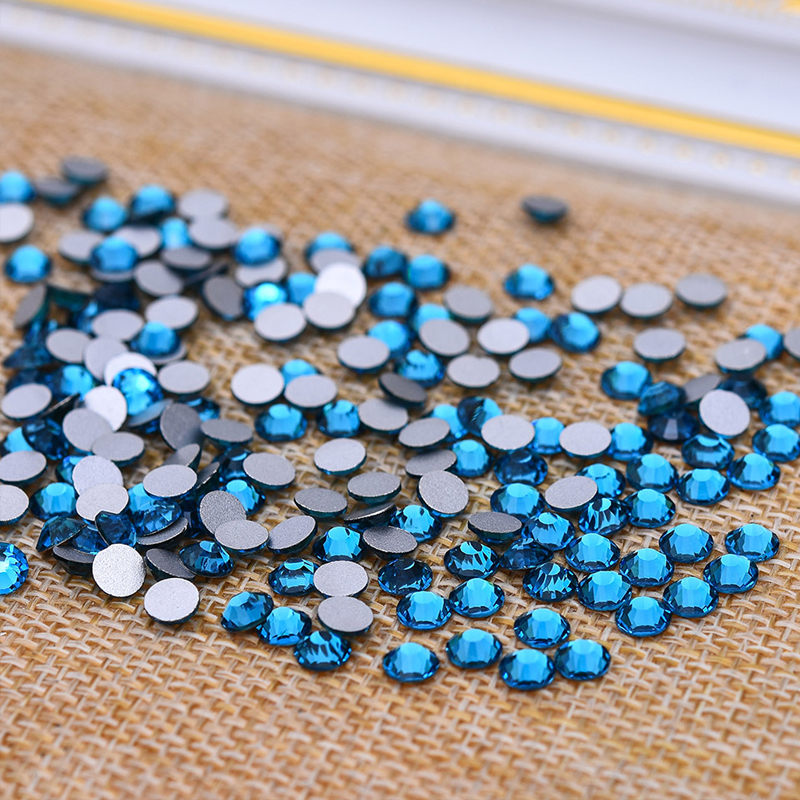 New SS8 Crystal Hole blue Color 1440pcs Non Hotfix Rhinestones For Nails 2.4mm Flatback Nail Art Rhinestones Nail Design
