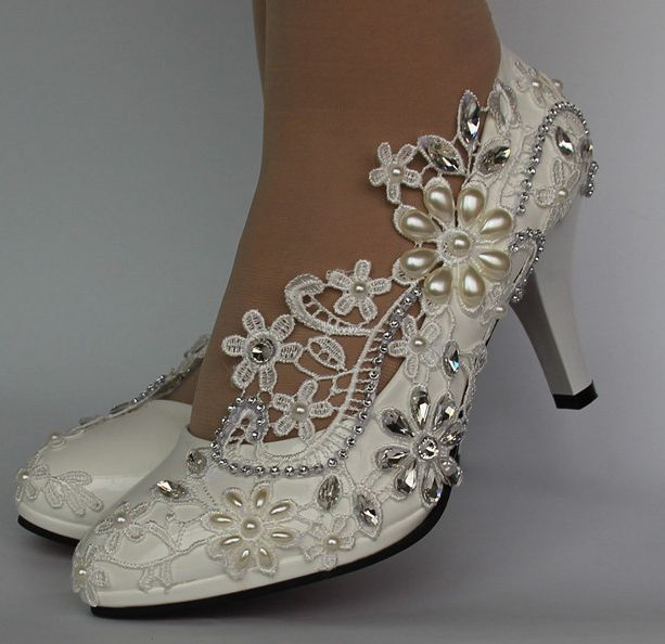 Ivory lace pearls marriage ceremony footwear bride trend HS041 handmade plus dimension slip on lace rhinestones pearls brides marriage ceremony footwear Ladies's Pumps, Low-cost Ladies's Pumps, Ivory lace pearls...