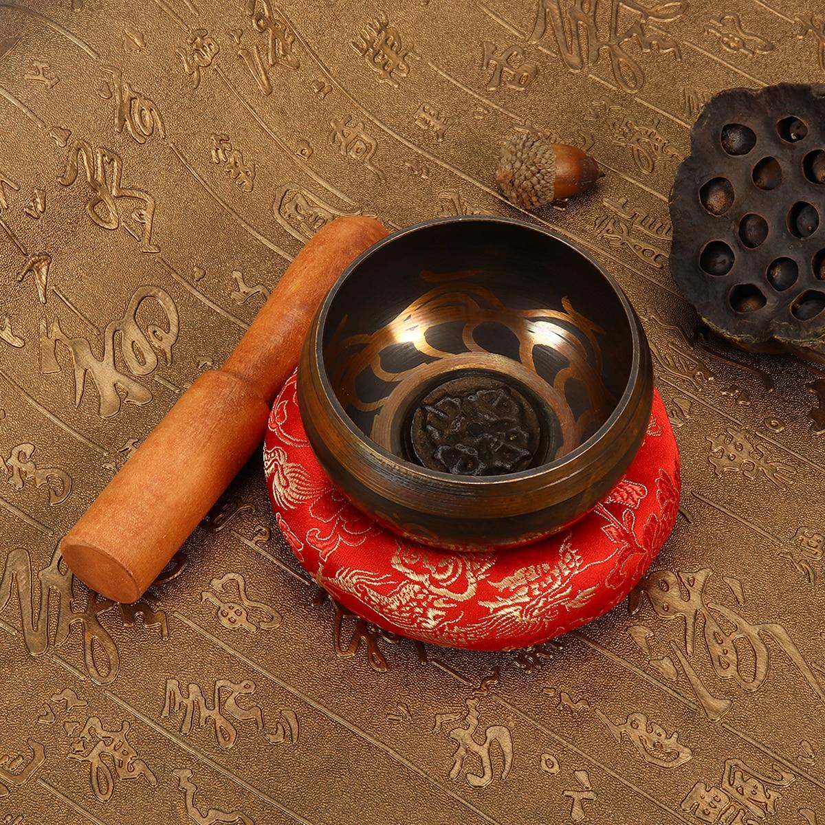 8 cm Main Martelé Chakra Chantants Tibétains Bowl Set Bois Autocollant Rouge Tapis pour La Méditation De Yoga Bouddhisme Cadeaux Décor À La Maison artisanat