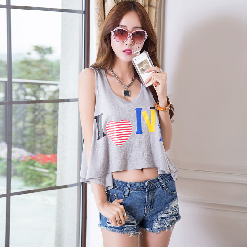 0669e4a7611 New 2015 women Ripped jeans Shorts Korea Style Girl Casual Washed Cotton Slim  Denim Shorts Pockets Summer Short Jeans S M L 598-in Shorts from Women s ...