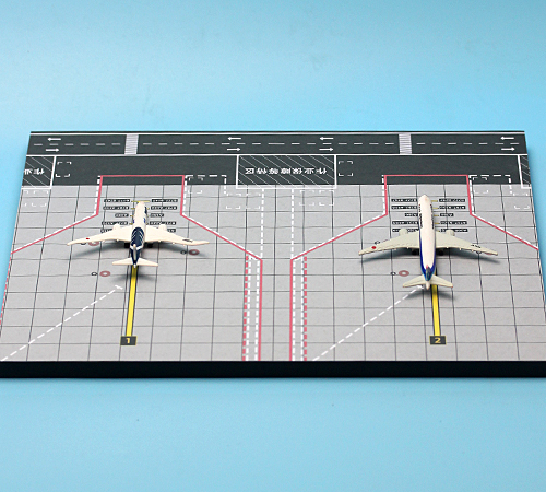 Dapper 1:1000 Vliegtuigen Vliegveld Platform Achtergrond Model Twee Machine Zand Tafel Decoratie Juxtapositie