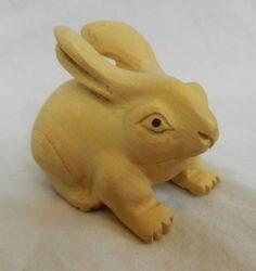 W stylu Vintage rzeźbione drewniane japoński Netsuke-bukszpan królik