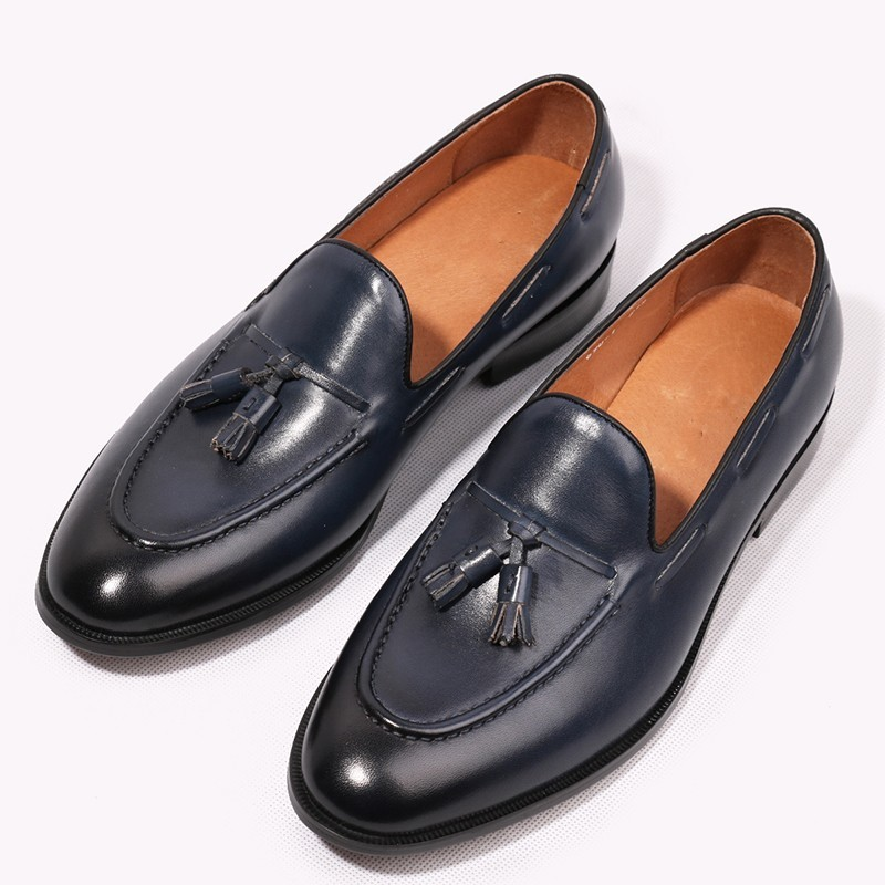 Vintage Style Men Loafers Genuine leather Tassel Fringe Slip on Formal Business Shoes Slip on Cow Wedding Shoes Srping 2018