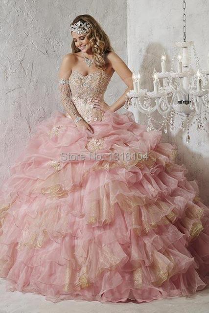 2016 Barato Ouro Rosa Quinceanera Vestidos Plus Size Em Camadas de Organza querida Lace Up Ball Vestido Meninas Vestido de Baile Doce 15 16 vestidos