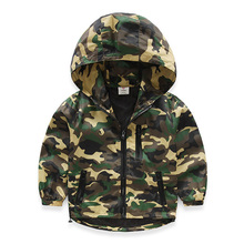 The baby boy's spring 2016 camouflage coat hooded jacket male children long sleeved ATST2828