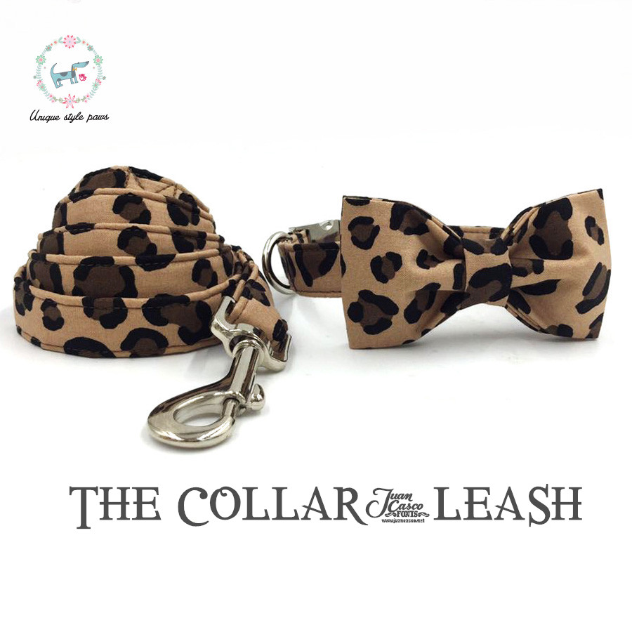 Coleira de Cachorro Cópia do Leopardo e Conjunto Conjunto de Chumbo com Algodão Colar de Cão Gato e Cão Estilo Único Patas da de Chumbo com Algodão Gravata Borboleta & Leash