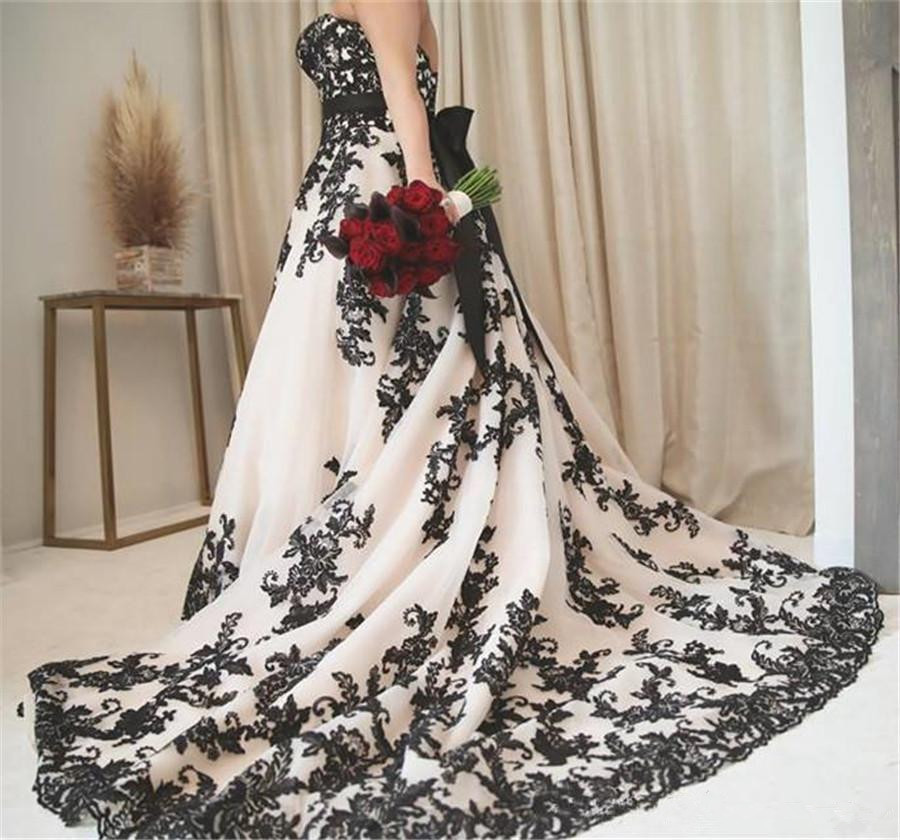 New Designer Plus Size Wedding Dress Sweetheart Black Lace gothic Wedding Dresses Appliques Tulle Backless Bohemian