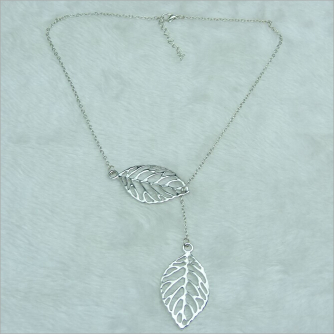 2017 new hot fashion jewelry europe america small pure and fresh fashion jewelry europe america small pure and fresh exquisite double leaves necklaces aloadofball Gallery