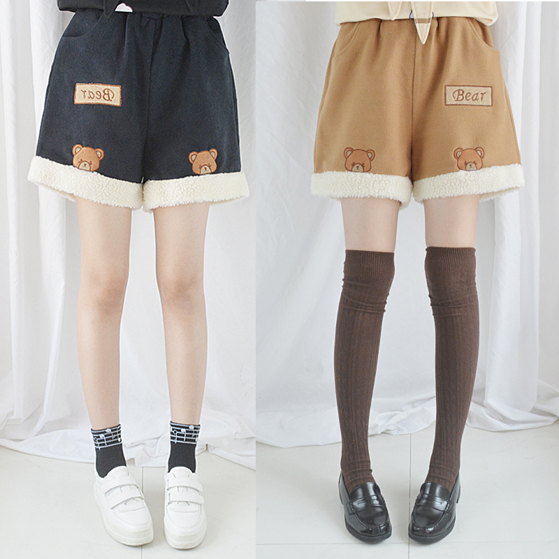 2018 Autumn Winter Cute Lolita Shorts Kawaii Japaness Style Bear Embroidery Woolen Mini Trousers Elastic Waist Casual Shorts