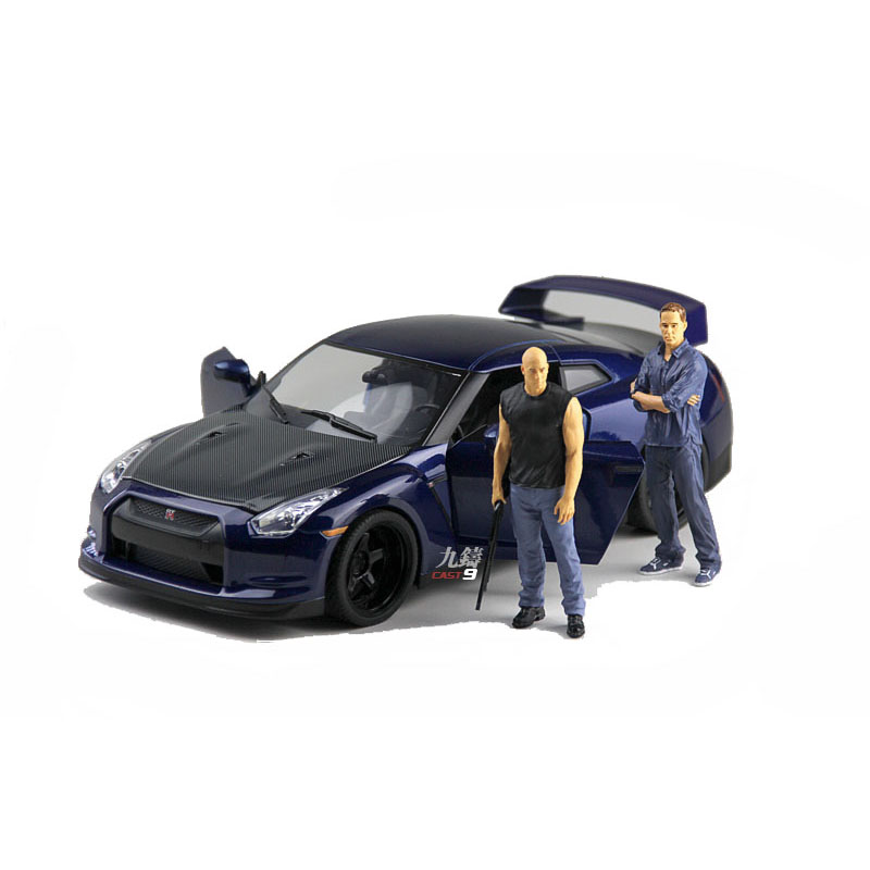 Hot American Movie Fast & Furious Film 1:18 Scale Size Dominic & Brian Figures Collection Model Toy The Fate of the Furious владимир гольдштейн первоапрельский велосипед