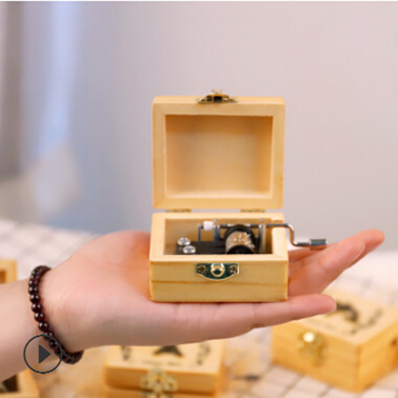 Wooden Antique Carved Animal Music Box Wooden Hand Crank Theme Music Caixa De Musica Sky City Music Box