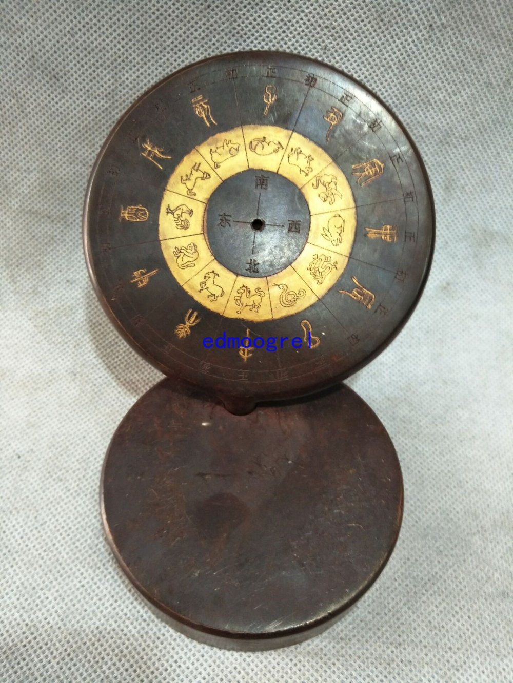 Rare Old Chinese Feng shui brass compass statue / Sculpture,with mark,Weight 1.3 kg,Home decorations ornaments