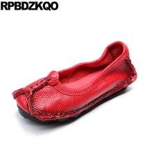 Mocasines de punta redonda de gran tamaño para mujeres mayores rojo 2019 gris diseñador chino vintage zapatos baratos de china slip on plus flats para mujeres