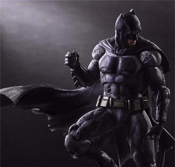 Коллекционная фигурка Бэтмен PlayArts на заре справедливости 1