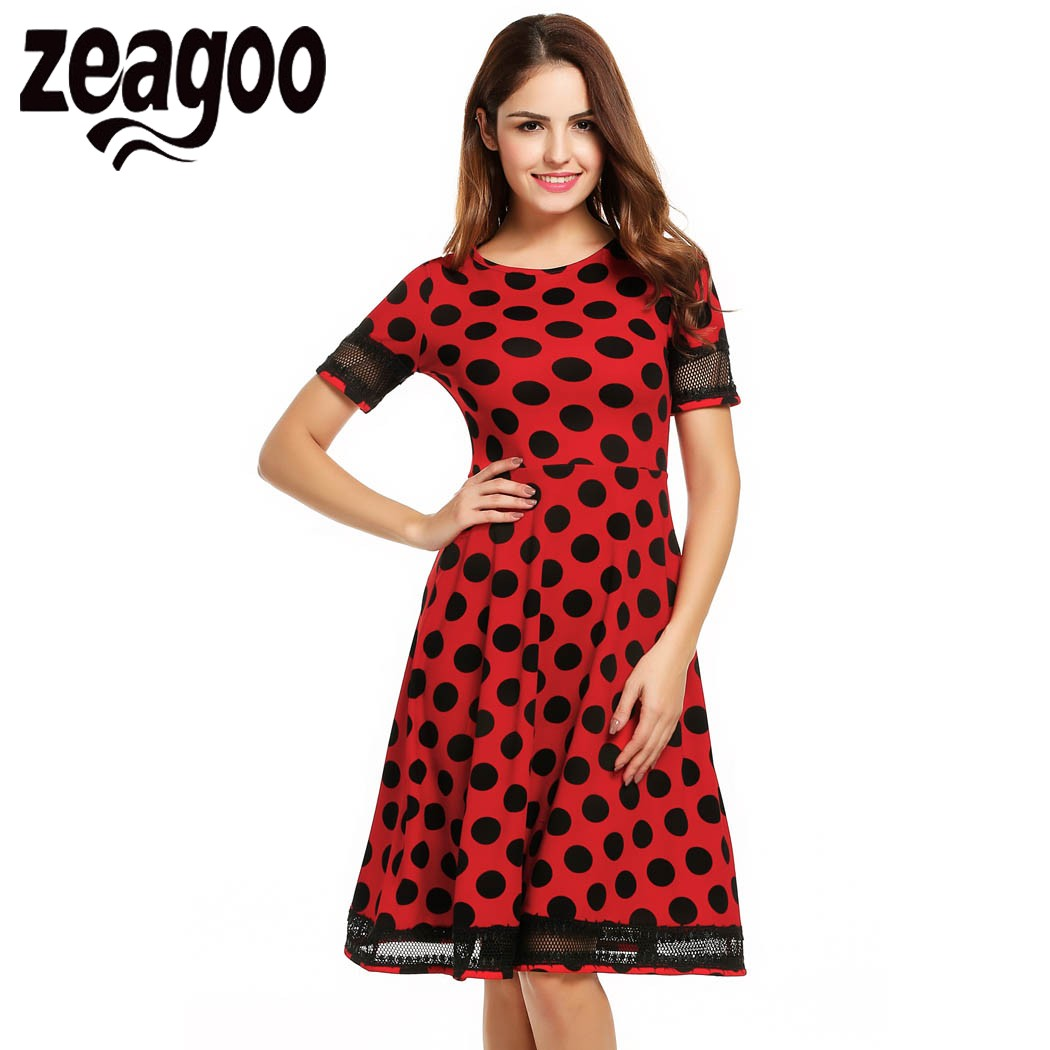 Нарядное платье в горошек для женщин