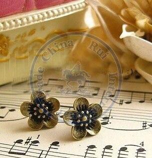 Stud Earrings ear rings Fashion for women Girls lady daisy vintage desgin CN post