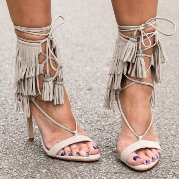 Hot Selling Cheap Beige Suede Leather Lace-up Ankle Strap Sandals High Heel Cut-out Fringe Dress shoes woman Designer Tassel San tesseract köln