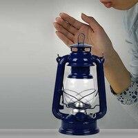Portable Lanternes Lampe à Pétrole En Métal Fer Camping Kérosène Lampe Accessoires Photo