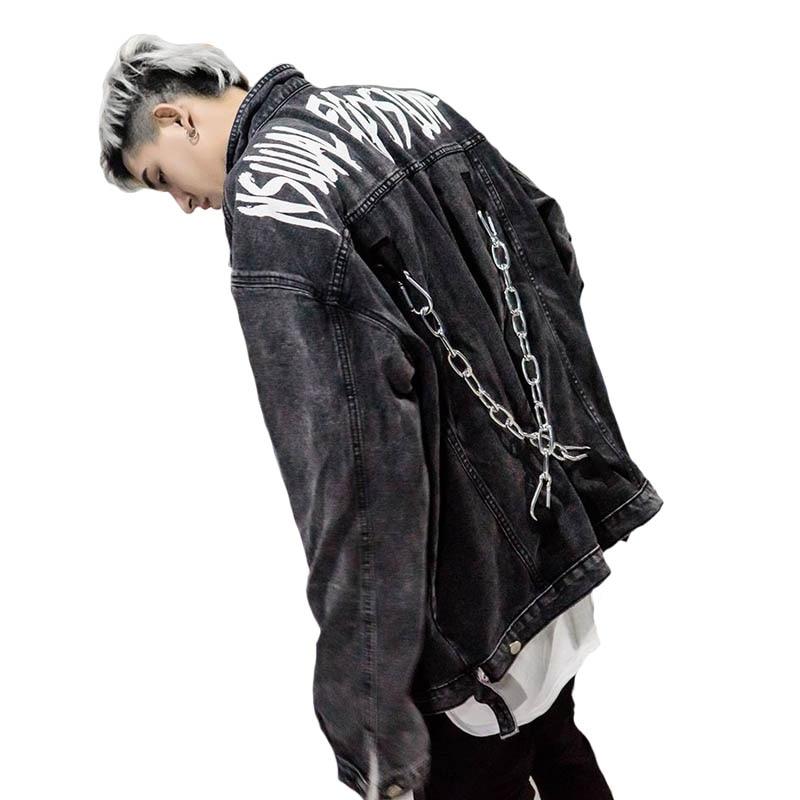Otoño estilo de la calle de los hombres de la marca de chaqueta de Denim de  cadena de Metal decoración de Hip hop Graffiti cartas de vaquero Vintage  abrigo ... d054016c713