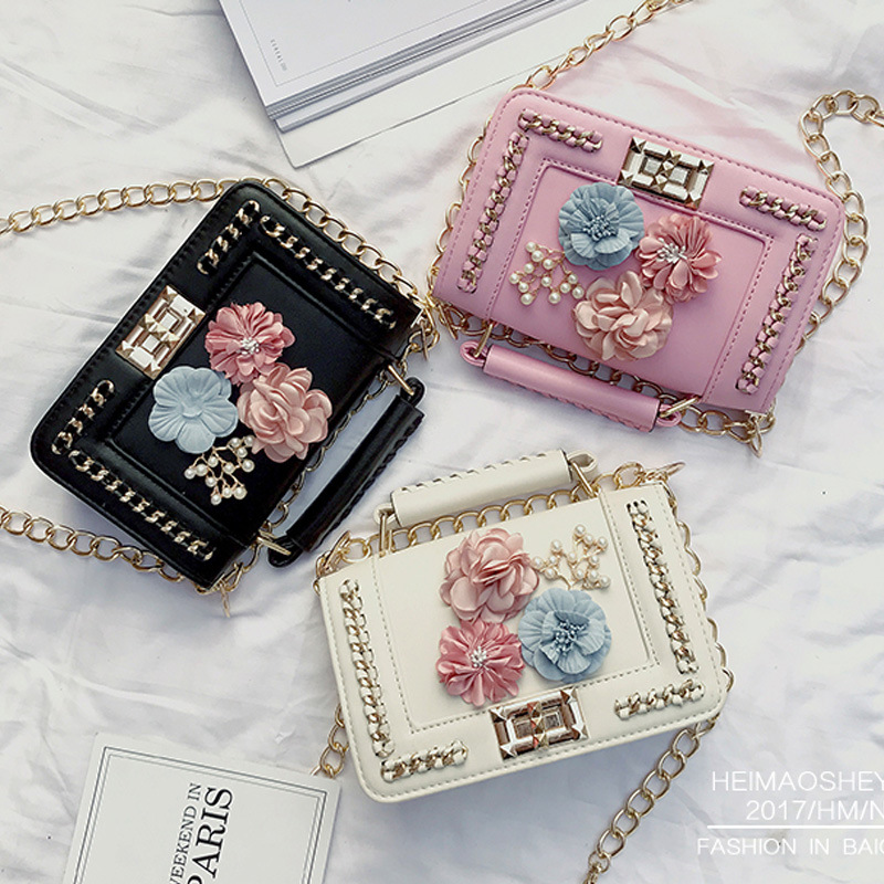 New Fashion Pearl Flower Chain Shoulder Bag Sweet Lady Wild Party Bag Portable Messenger Bag