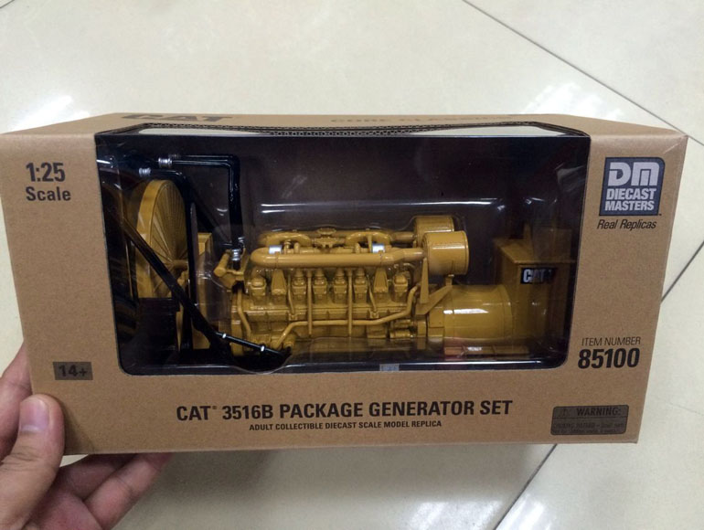 New Color box - DM Model - Cat 3516B Package Generator Set DieCast 1/25 #85100 Construction vehicles