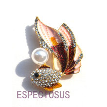 Elegant Pin Gold Color Women Cartoon Gift Gold Fish Imitation Pearl Breast pin Accessories Jewelry Painted Brooch Rhinestone(China)