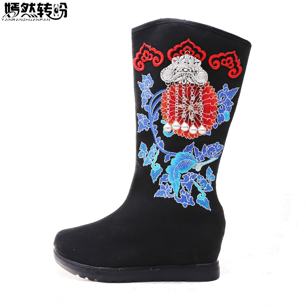 Women Boots Winter Embroidery Old Beijing Canvas National Ethnic Pendant Tassel Black Cloth Shoes Warm Booties Botas Mujer 2017 new old beijing boho cotton linen canvas cloth shoes national thailand handmade woven round toe flat shoes with embroidered