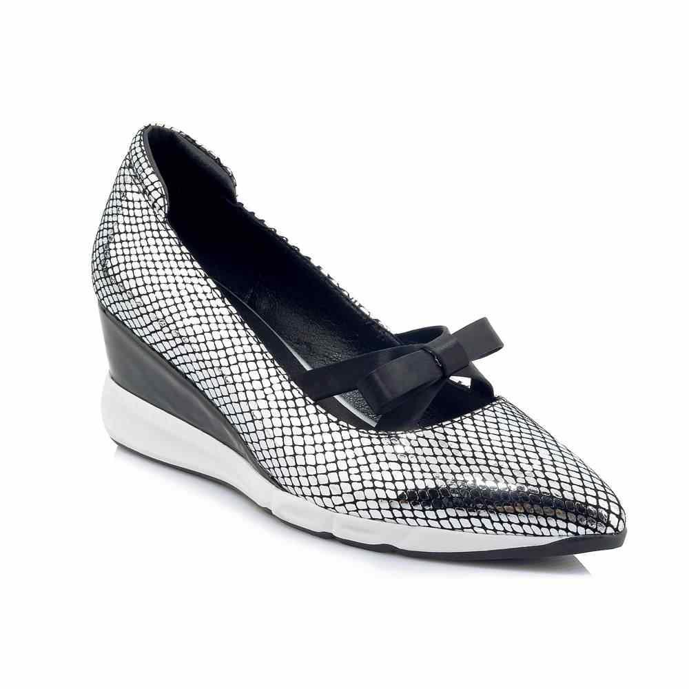 Krazing Pot yeni koyun deri gümüş renk düz platformu loafer'lar papyon sivri burun eğlence bling rahat vulkanize ayakkabı L6f1