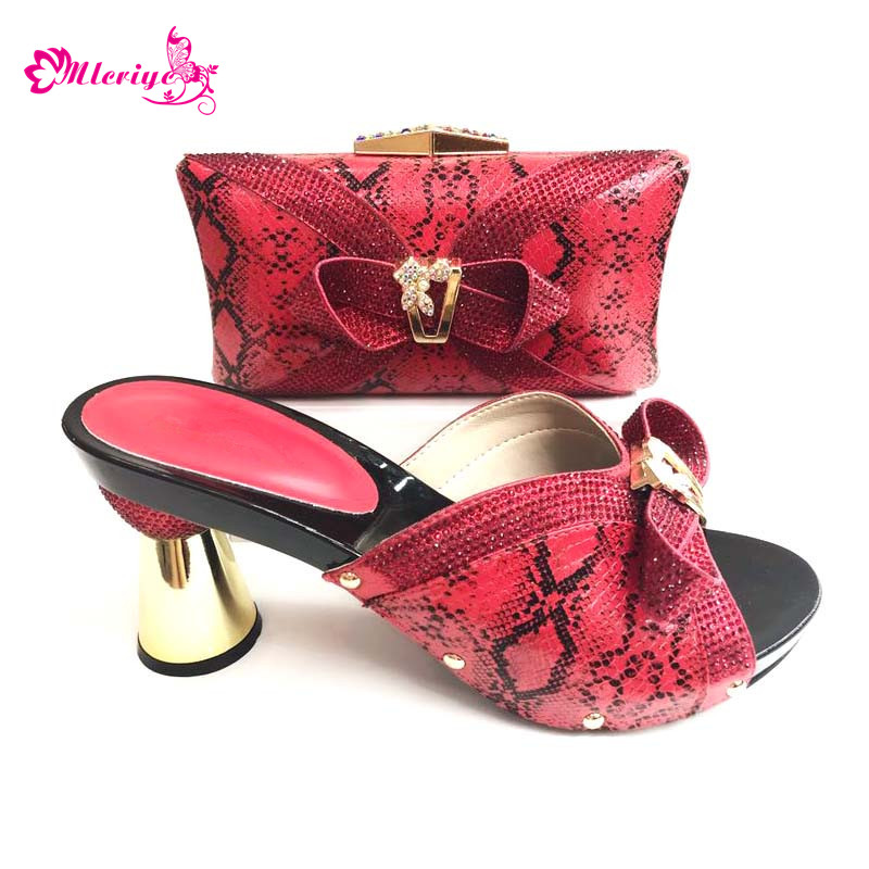 купить 0089 New red African Women Matching Italian Shoe and Bag Set Decorated with Rhinestone Italian Shoe with Matching Bga Set по цене 5317.4 рублей