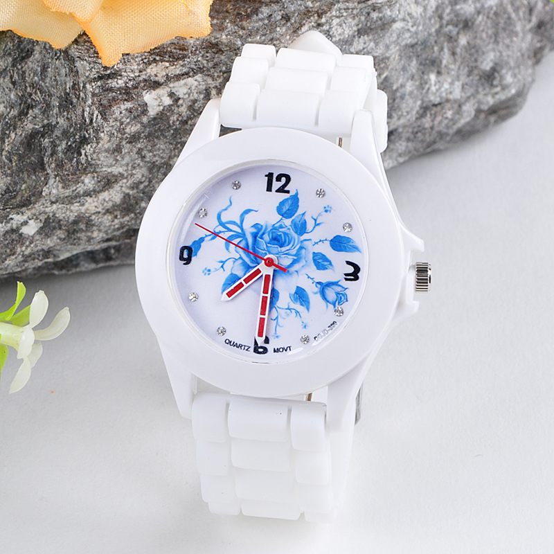 2017 Women Silicone Rubber Jelly Blue Floral Quartz Analog Sports Wrist Watch Gift relogio masculino Uhren relojes Fe22