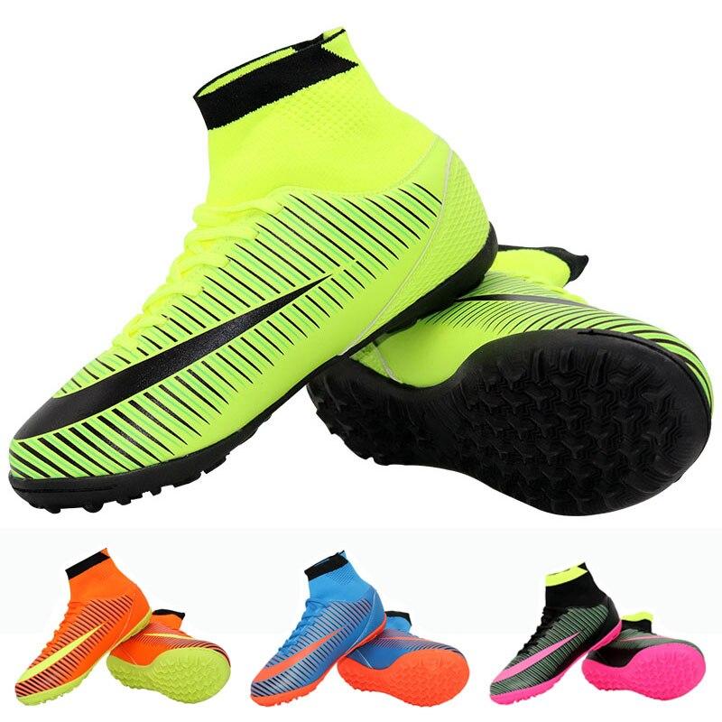 Indoor Futsal Futebol Botas Sapatilhas Homens Baratos Chuteiras de futebol  De Futebol Originais Com Esportes Para As Mulheres   Homens em Sapatos de  futebol ... bf98cef6a5880