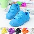 2015 Nueva Primavera Moda Casual Lace Up Zapatos de Lona Del Color Del Caramelo Marca Niños Zapatillas de deporte de 6 Colores Muchachos de Las Muchachas Zapatos