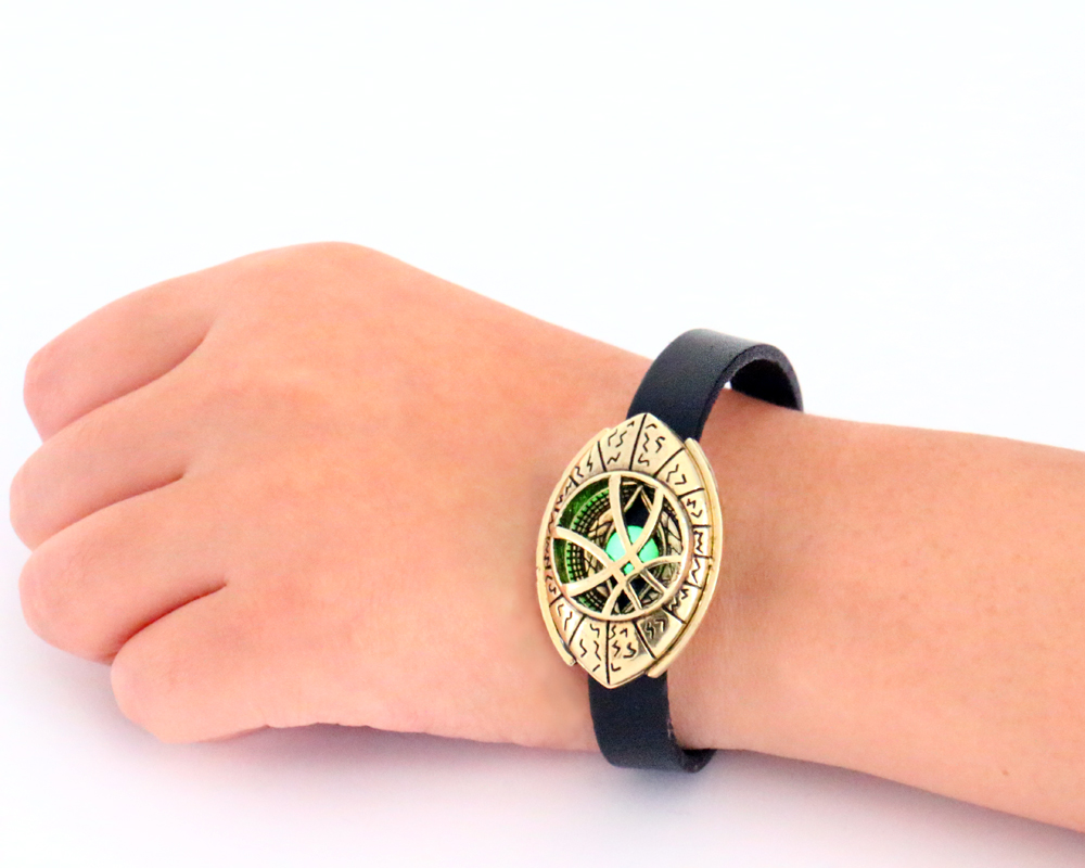 Marvel Movie Doctor Strange Grow in Dark Eye Symbol Leather Bracelet Steampunk Women/Men Bangle Cosplay Jewelry for Christmas
