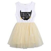 Девушка кошка Дизайн платье принт следовать я чувствую белый + желтый Дети ежедневно платье Размеры От 3 до 9 лет в наличии Высокое качество Г...