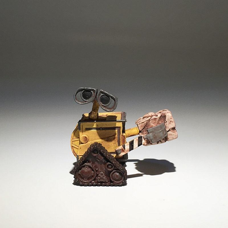 1pcs Original Wall E Figure Toy Robot Wall-e Mini Action Figures Toy Model Doll 5CM
