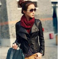 Jaqueta de couro falso senhoras seções curtas de couro fino moda de todos os jogo jaqueta de couro biker Rivet Dragona estilo popular S840