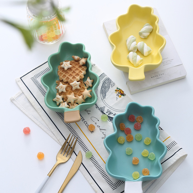 Us 11 29 1pcs Ceramic Christmas Tree Shape Bowls Ice Cream Plates Decoration Crafts Snack Candy Storage Tray Jewelry Dish Snack Dish Gift In Bowls