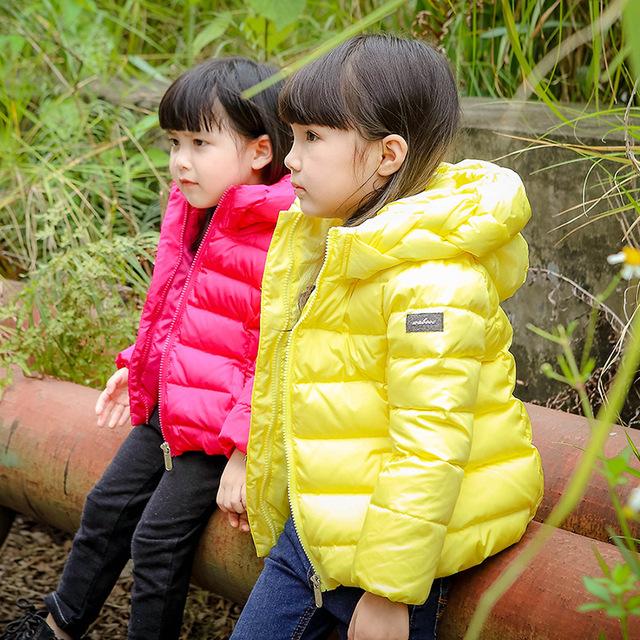 2016 casaco de inverno Moda infantil bonito do bebê meninas para baixo acolchoado meninas casaco parkas de penas de pato branco para baixo Quente e comfortabl jaqueta