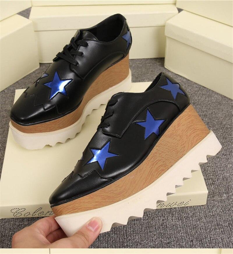لامعة الخماسية النجوم شقة منصة النساء الأحذية مربع اصبع القدم الدانتيل يصل جلد أسافين النمط البريطاني حذاء كاجوال امرأة-في أحذية مطاطية نسائية من أحذية على  مجموعة 2