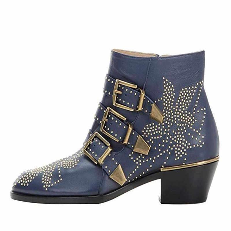 Зимние кожаные ботильоны с ремешком и пряжкой; женские брендовые ботинки с острым носком; ботинки в байкерском стиле на толстой подошве; короткие ботинки с заклепками; оптовая продажа