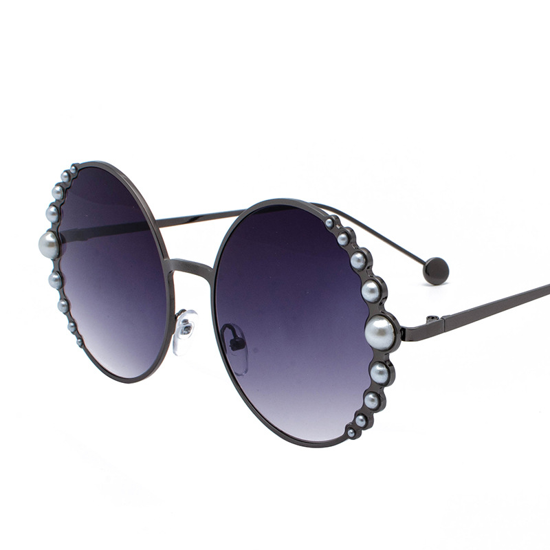 Image 3 - Designer Fashion Sunglasses Round with pearls in Black Gold  Woman's Beach Shades in Red Discount hot brand with case free ship-in Men's Sunglasses from Apparel Accessories