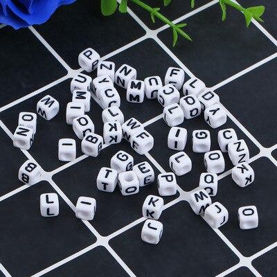 100 Pcs 6x6mm Platz Alphabet 26 Brief Perlen Diy Halskette Armband Halskette Schmuck Produktion