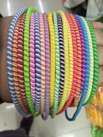 100 pcs/lot Gute geschenk Drei Farben Einfarbig TPU spirale USB Ladegerät kabel protector wrap kabel wickler veranstalter, haar ring