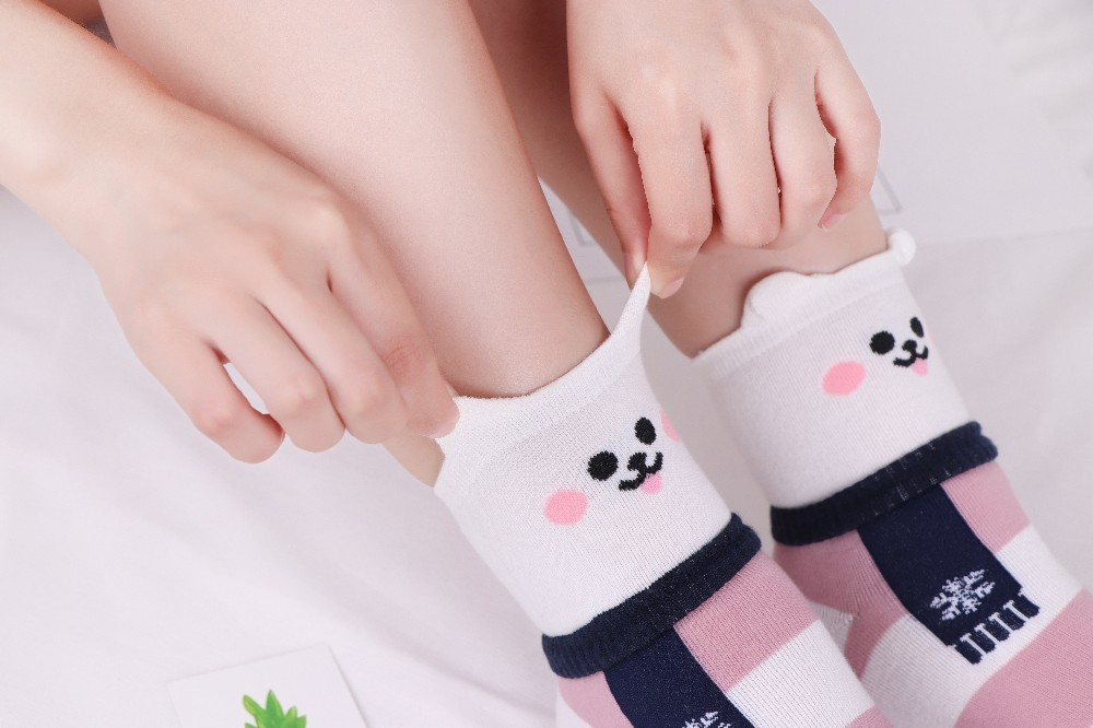 HTB1tZPKdjfguuRjy1zeq6z0KFXap - New Design Animal Patterned Short Socks Women shiba inu Cartoon Ankle Socks Female Fashion Funny Socks Cotton Hosiery Christmas