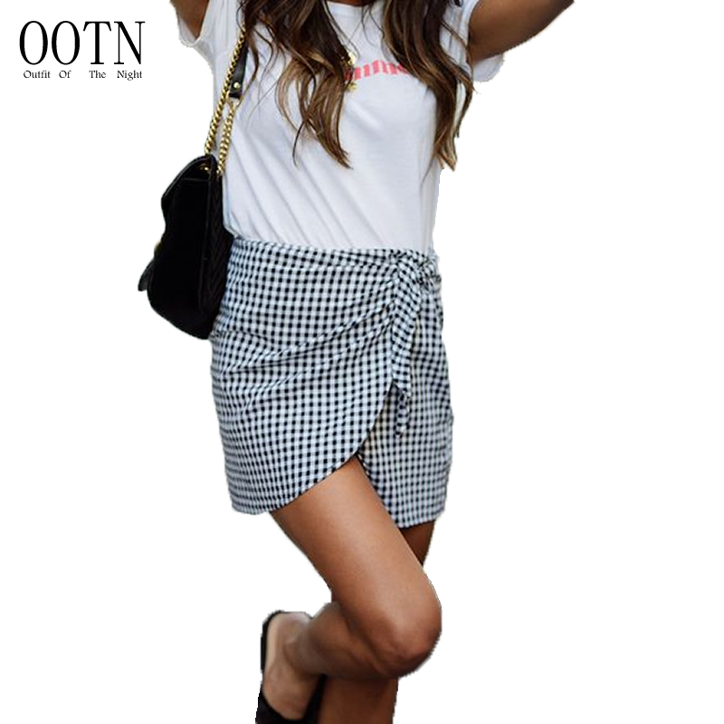 Free Shipping Women Plaid Short Skirts Black And White
