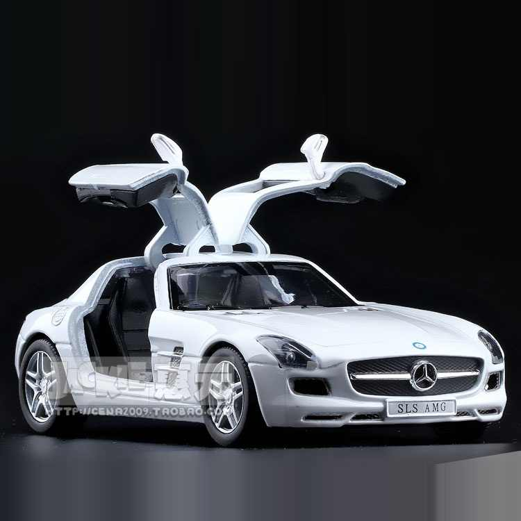 High Simulation Exquisite Collection Toys: KiNSMART Car Styling SLS AMG Sports Car 1:36 Alloy Diecast Car Model Pull Back Cars